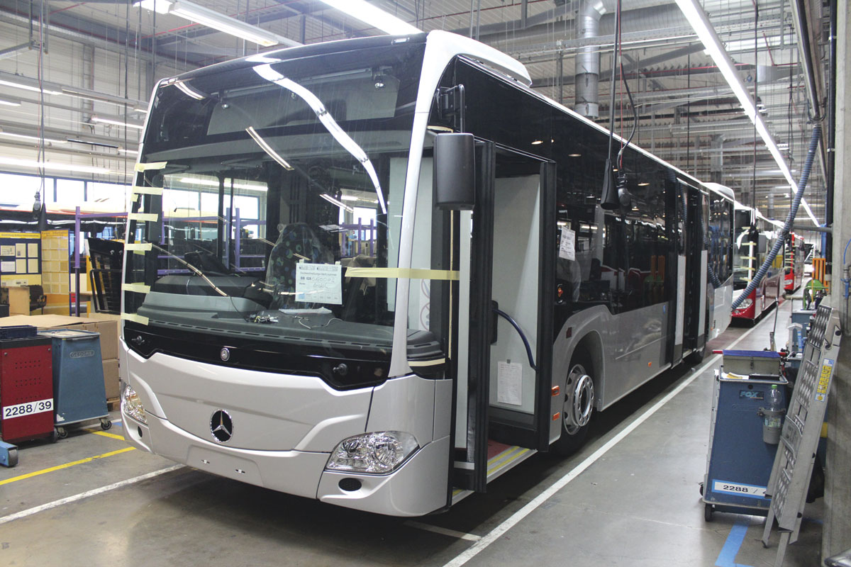 Mercedes Benz Hand Over 40 000th Citaro And 20 000th