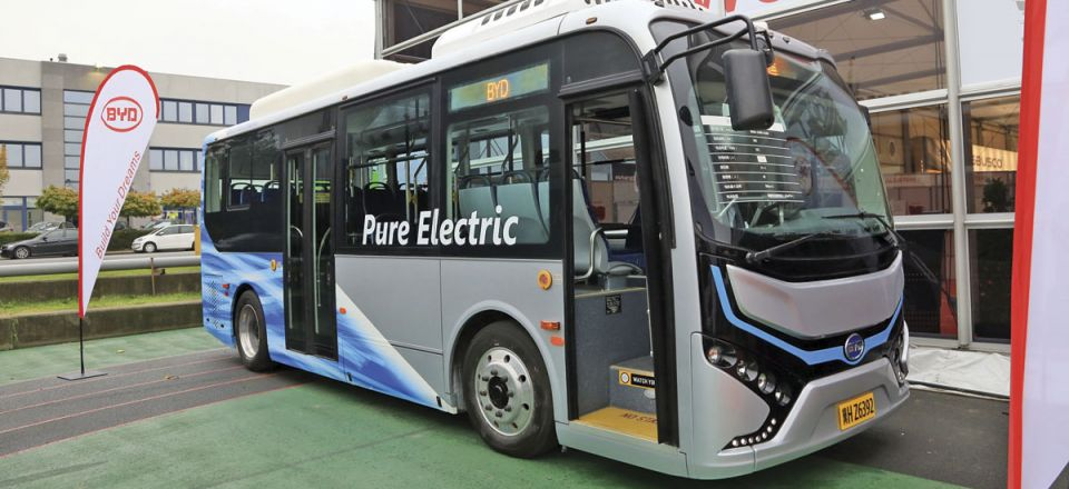 The BYD pure electric midi.