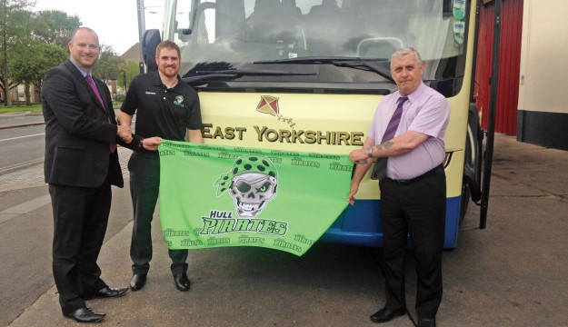 EYMS support Hull Pirates