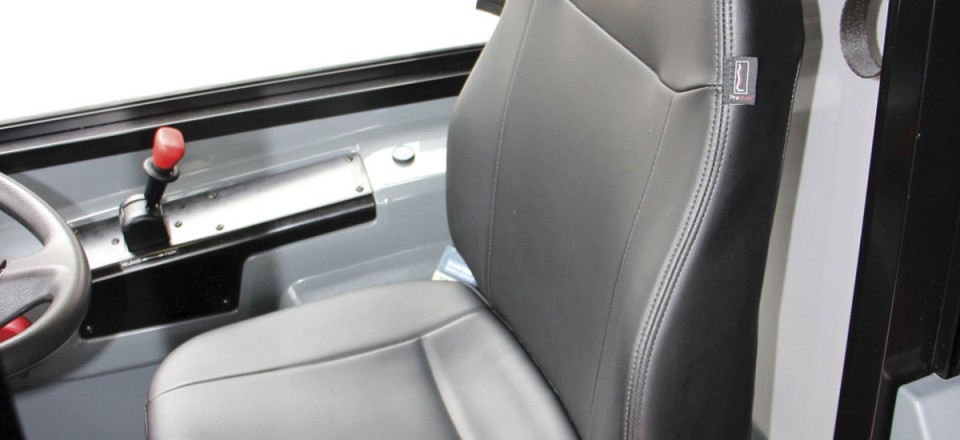 Chapman's new easily set Sideriser 2 driver's seat pedestal with Probax cushion is specified