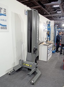 Presented by Liftmaster were these hydraulic wireless mobile column lifts