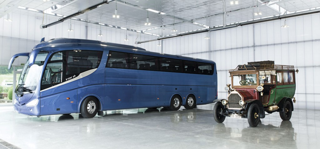 A PB and an Irizar old timer in the spacious new delivery hall and showroom