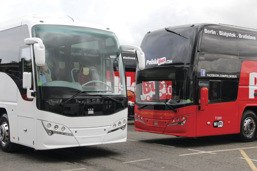 Styling across the range has been harmonised as this comparison with one of the new Elitei B11Rs for PolskiBus.com shows