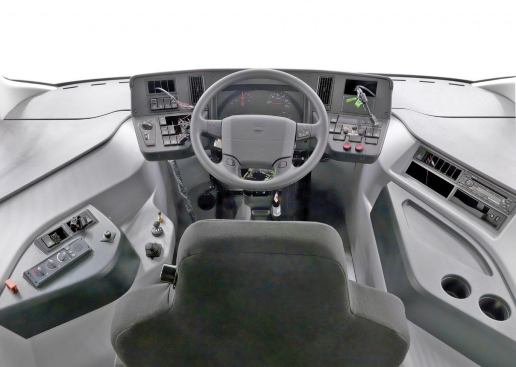 The central driving position of the full electric saves 1.4m in length and over 400kg in weight