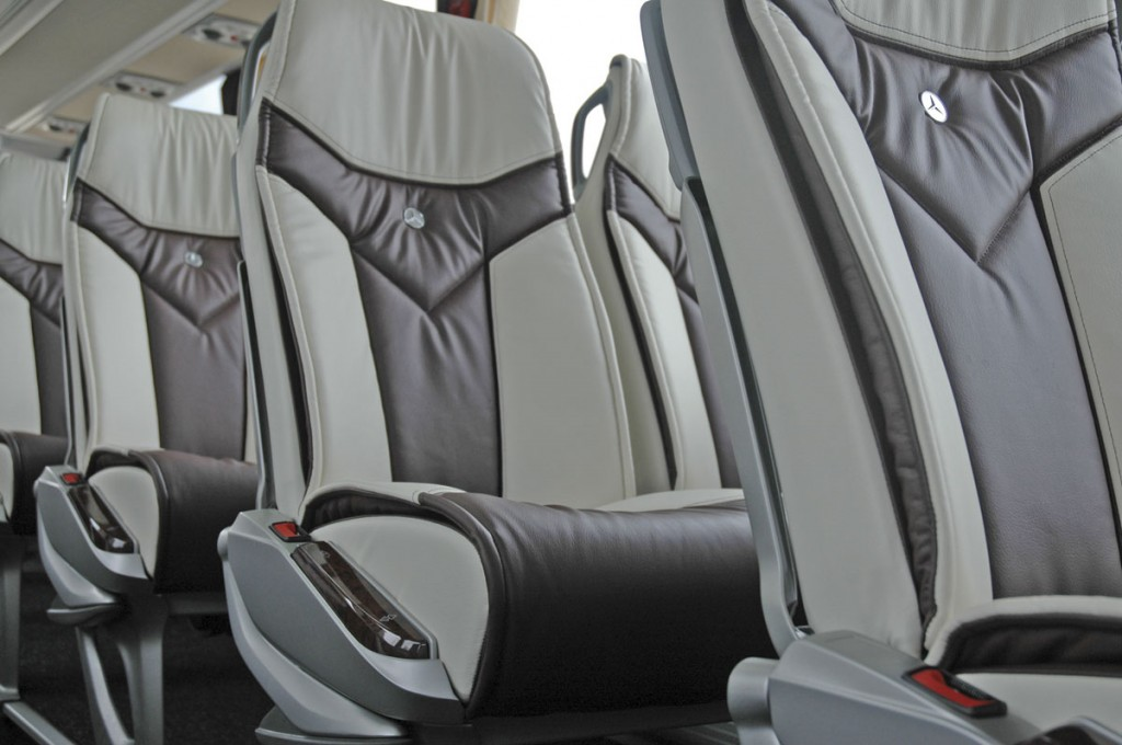 E-Leather trim is now available in the Mercedes-Benz Tourismo range. This is one of ten recently delivered to Dublin Coach
