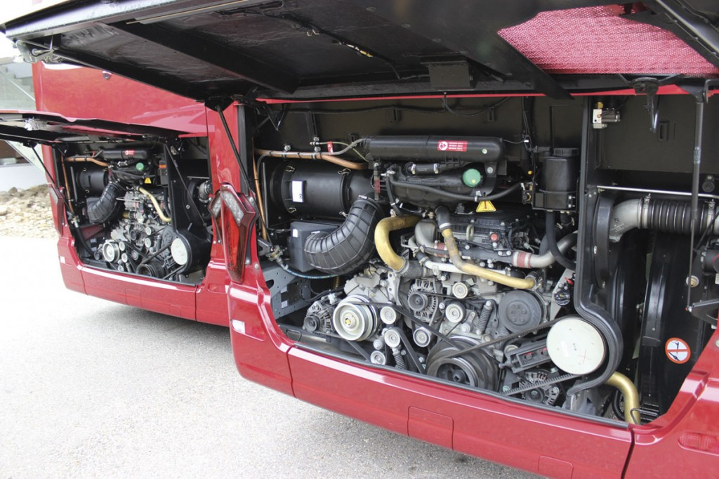 OM470 engines fitted in the S511HD (left) and S516MD