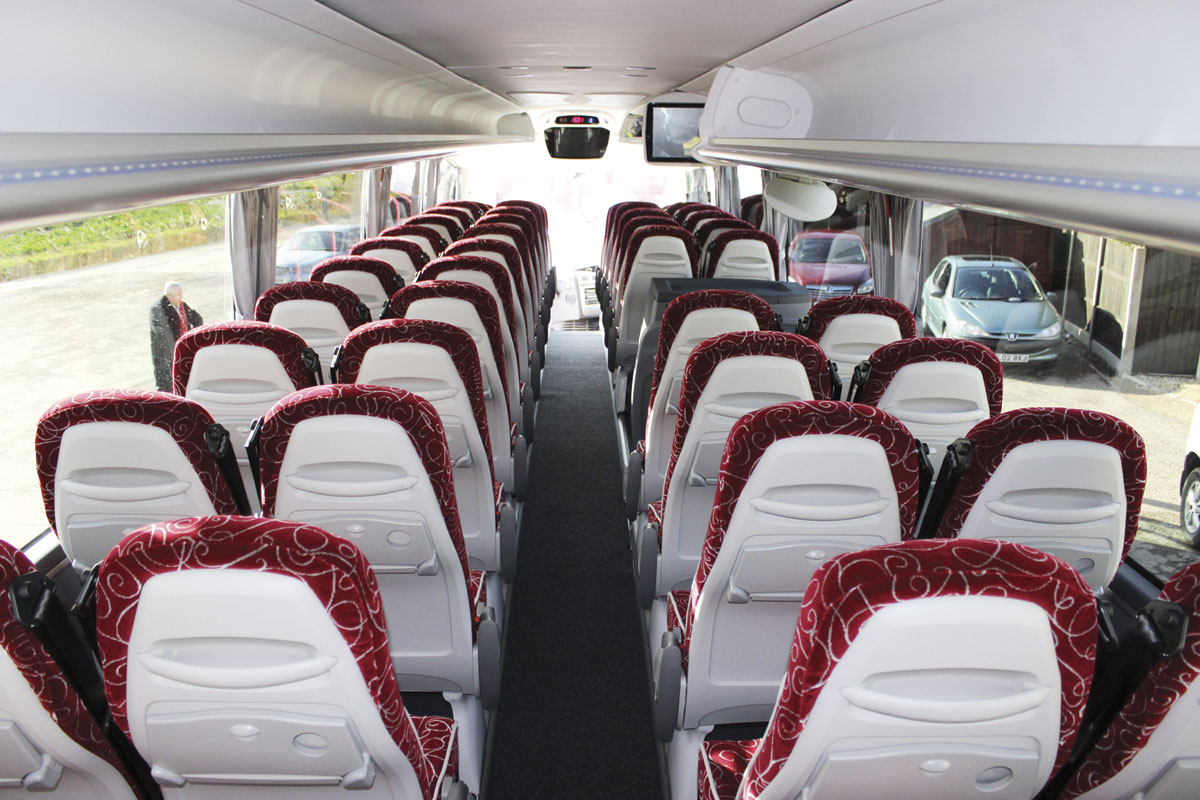 The demonstration coach was equipped with i6 seats but could as a cost option have the PB seats installed