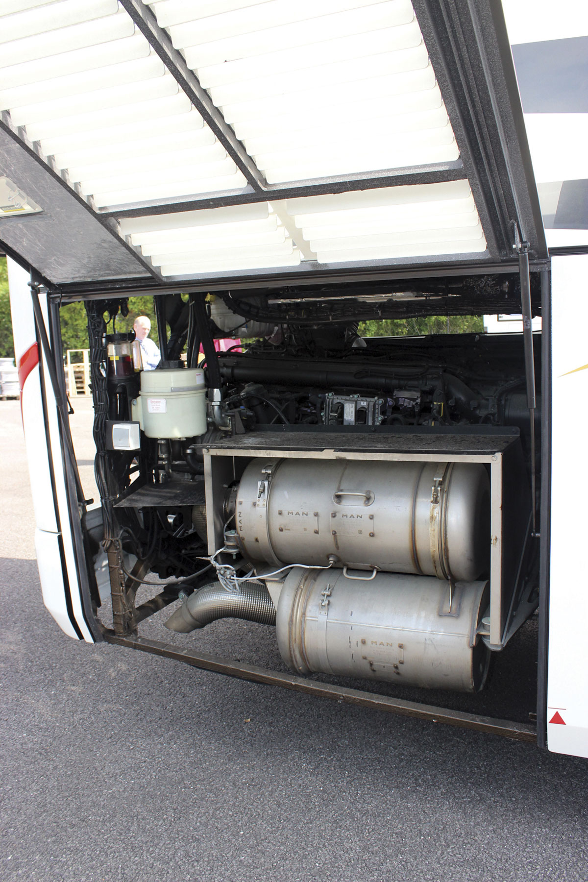 Access to the engine from all directions is exceptional for a Euro6 powered coach. In the foreground is the SCR emissions equipment necessary in addition to the EGR used at Euro5