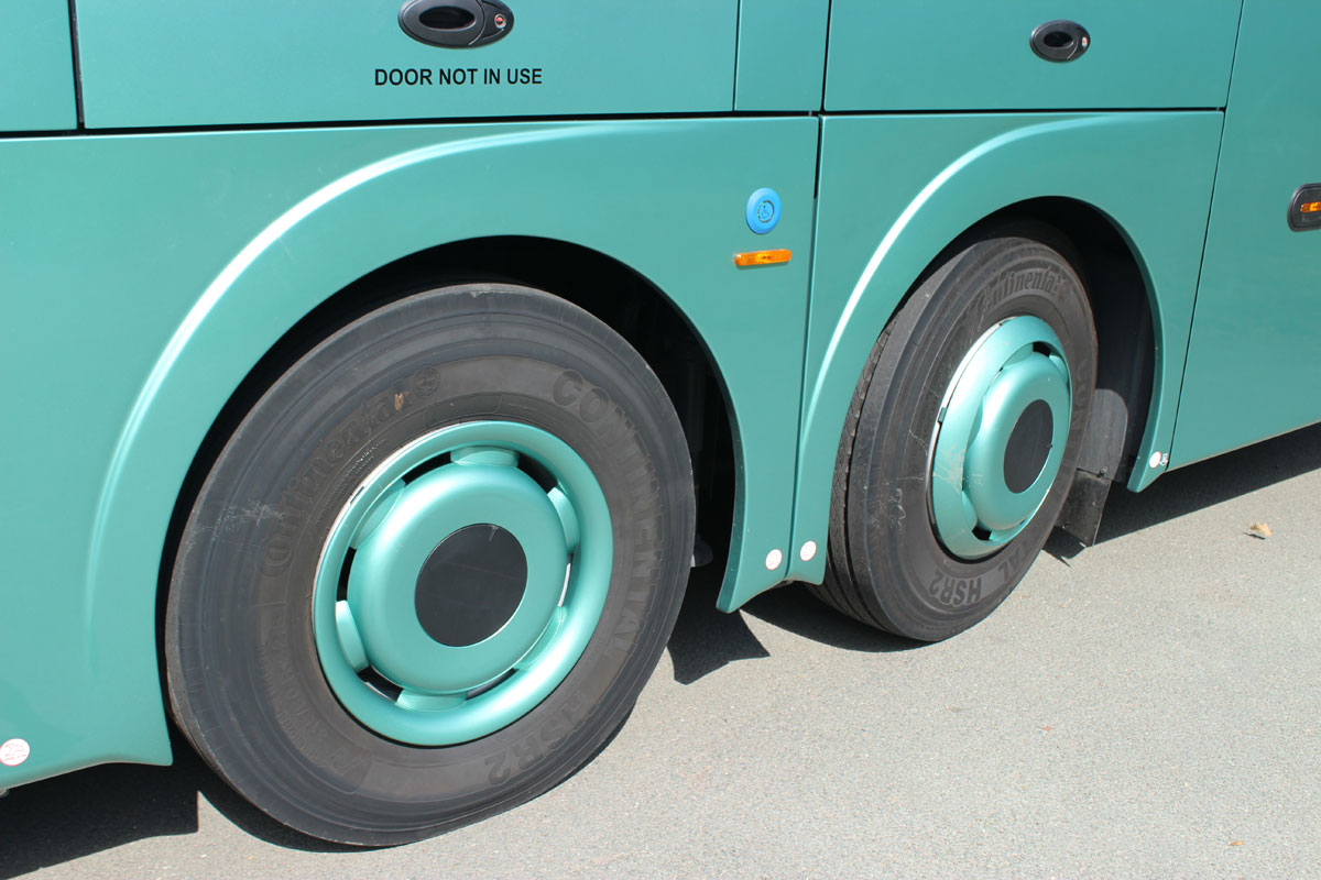 The steering rear axle makes a huge difference to the manoeuvrability of the coach