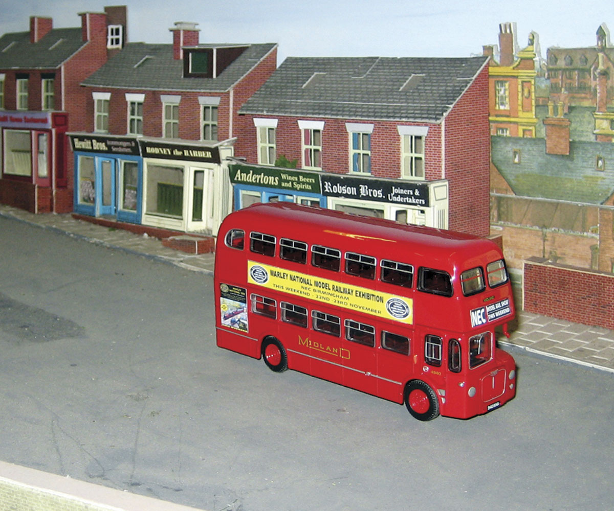 The D9 model to 1/50 scale