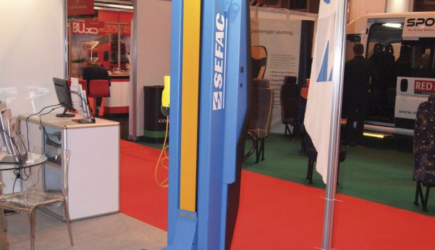 Sefac's SW2 Wireless mobile column lift.