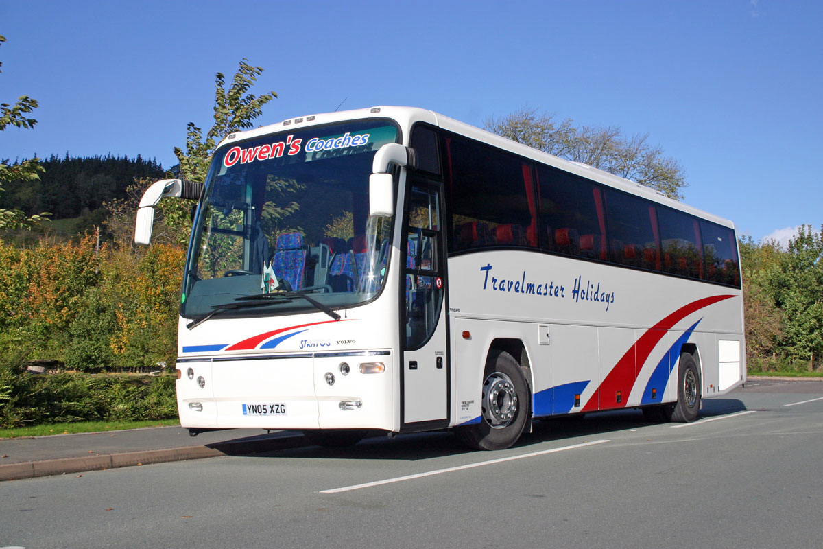 A new Plaxton Panther bodied Volvo B12B was acquired through Plaxton Coach Sales in 2005