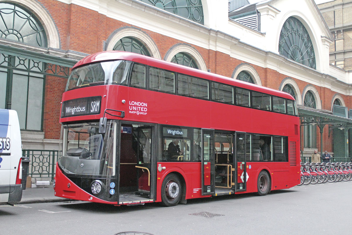 To the untrained eye, it is very difficult to tell the SRM and the New Routemaster apart from the front