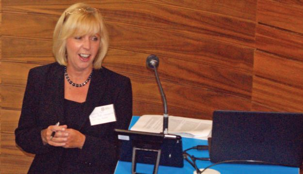 Beverley Bell to step down