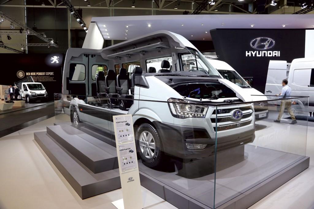 Hyundai Fuel Cell Concept minibus