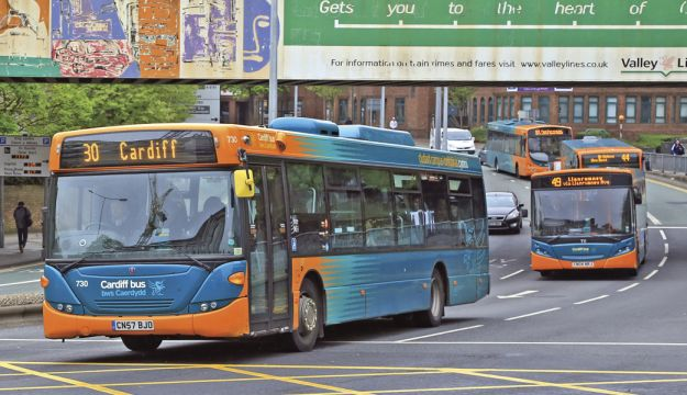 Skates supports buses in Wales