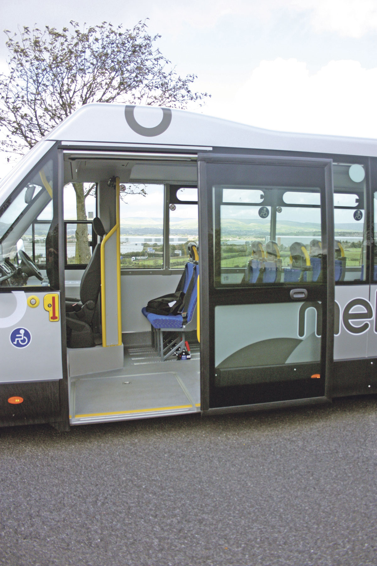Large, wide front entrance with fast action Ventura plug door. Note the shallow step height of 270mm which can be reduced still further with the ramp and lowering rear suspension