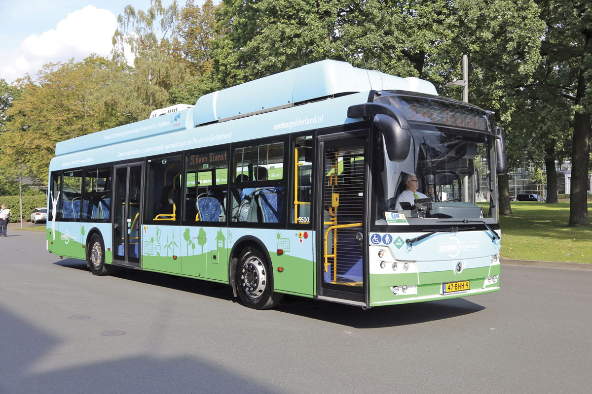 The Solbus-Hymove fuel cell bus with ZA Wheel drive