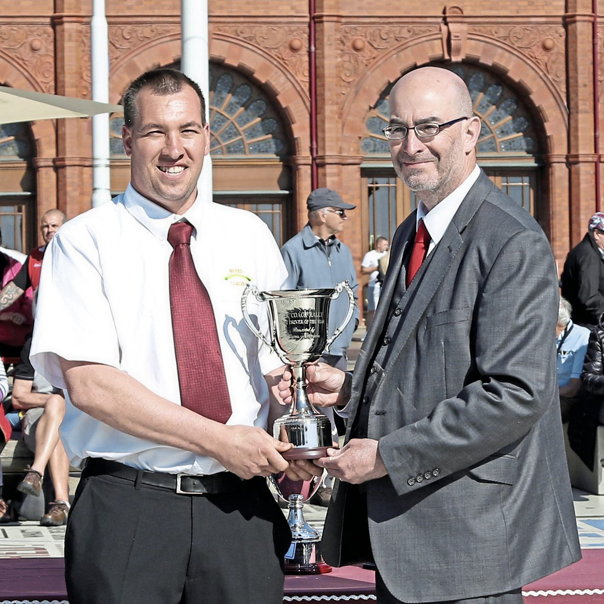 Kevin Rooney presents the top driving awards to - Richard Webb (mini)