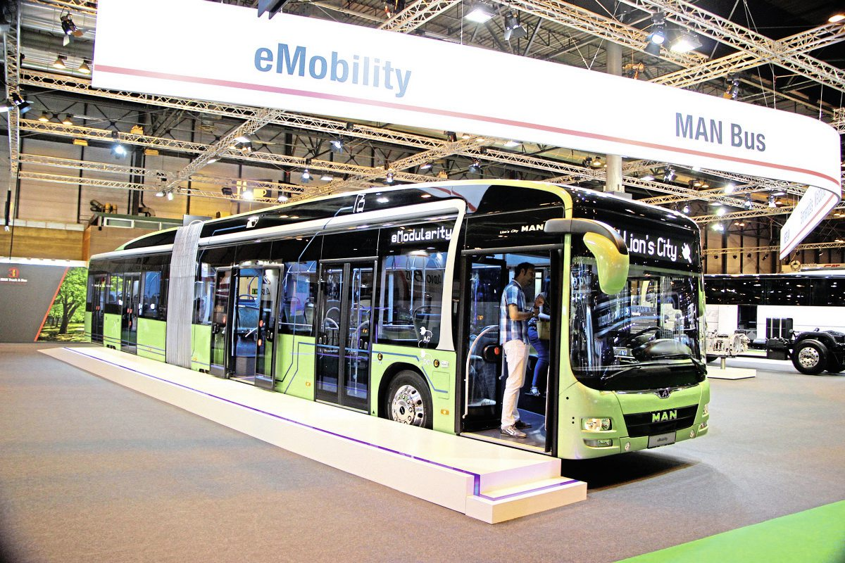 MAN's eMobility Lion's City artic