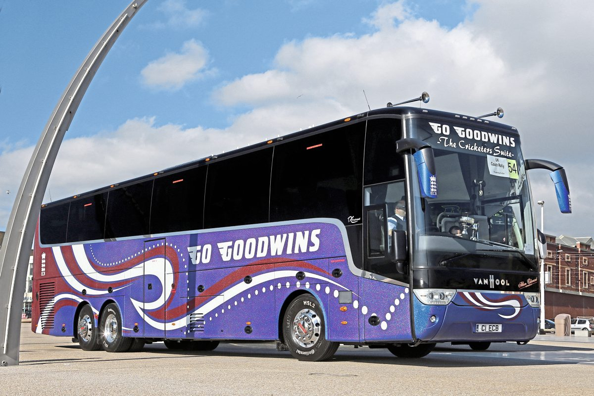 Top Executive Coach-Go Goodwins Van Hool Astronef