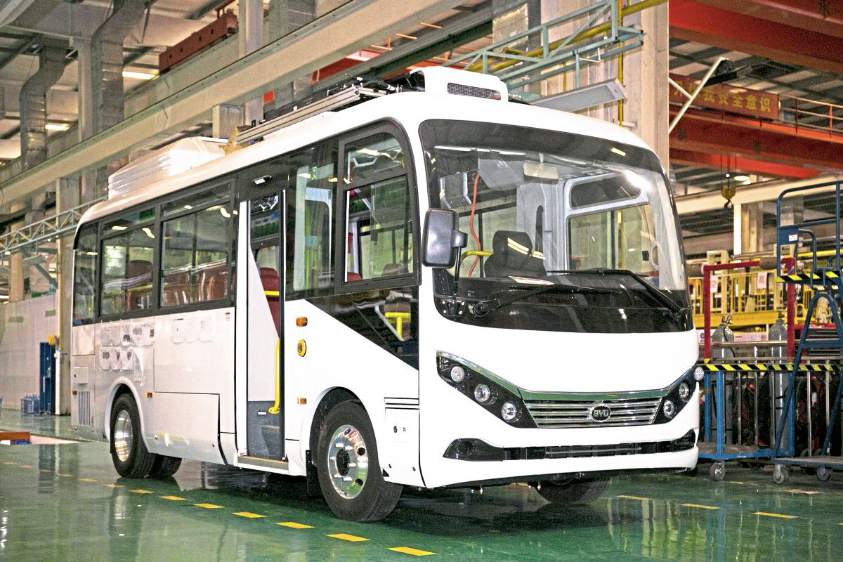 Another prototype was this 7m electric midibus. Similar looking vehicles were to be seen running in Shenzhen