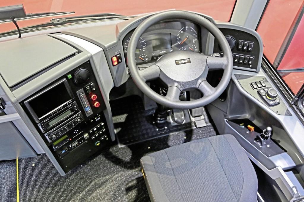 Arriva Van Hool EX15 H cockpit