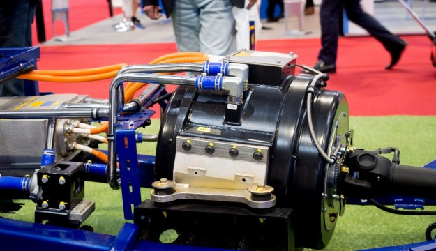 Caetano electric bus chassis motor