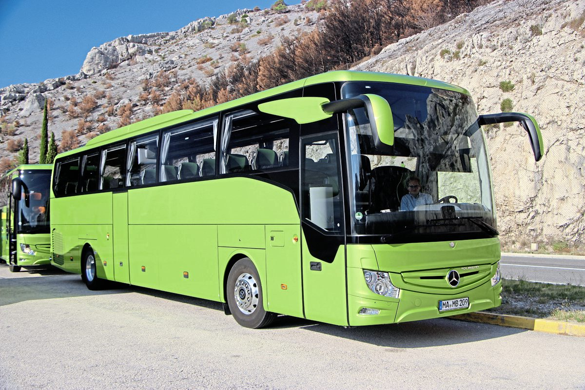 Sporting the Viper green paint Daimler has chosen for its two-axle Tourismo demonstrators, this Tourismo M/2 featured the new ABA4 active brake assist system which can recognise pedestrians and brake to a stop to avoid hitting them