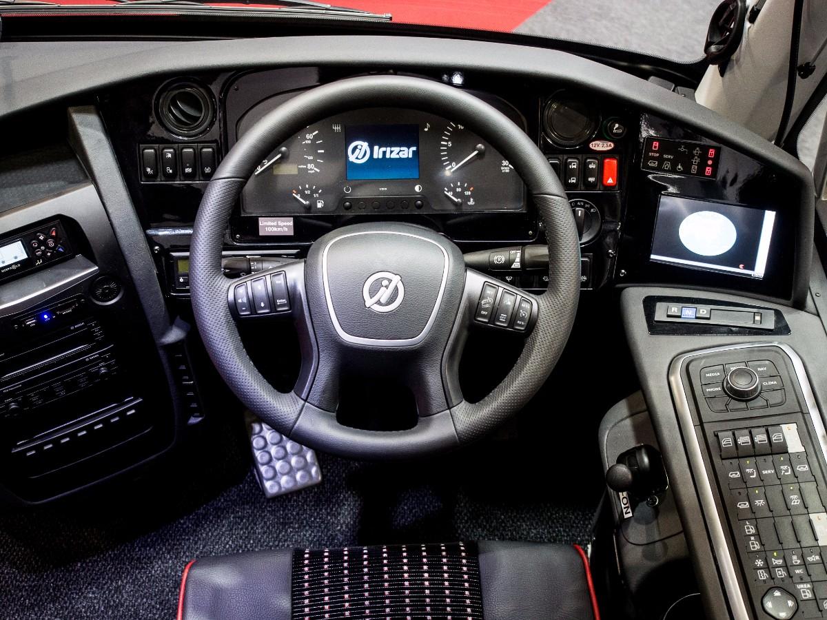 Irizar UK i6S cockpit
