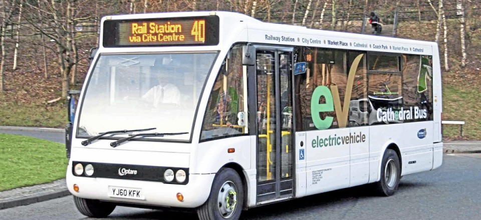 The first electric Solos were three in 2009, which went into service for Durham's Cathedral Bus operation