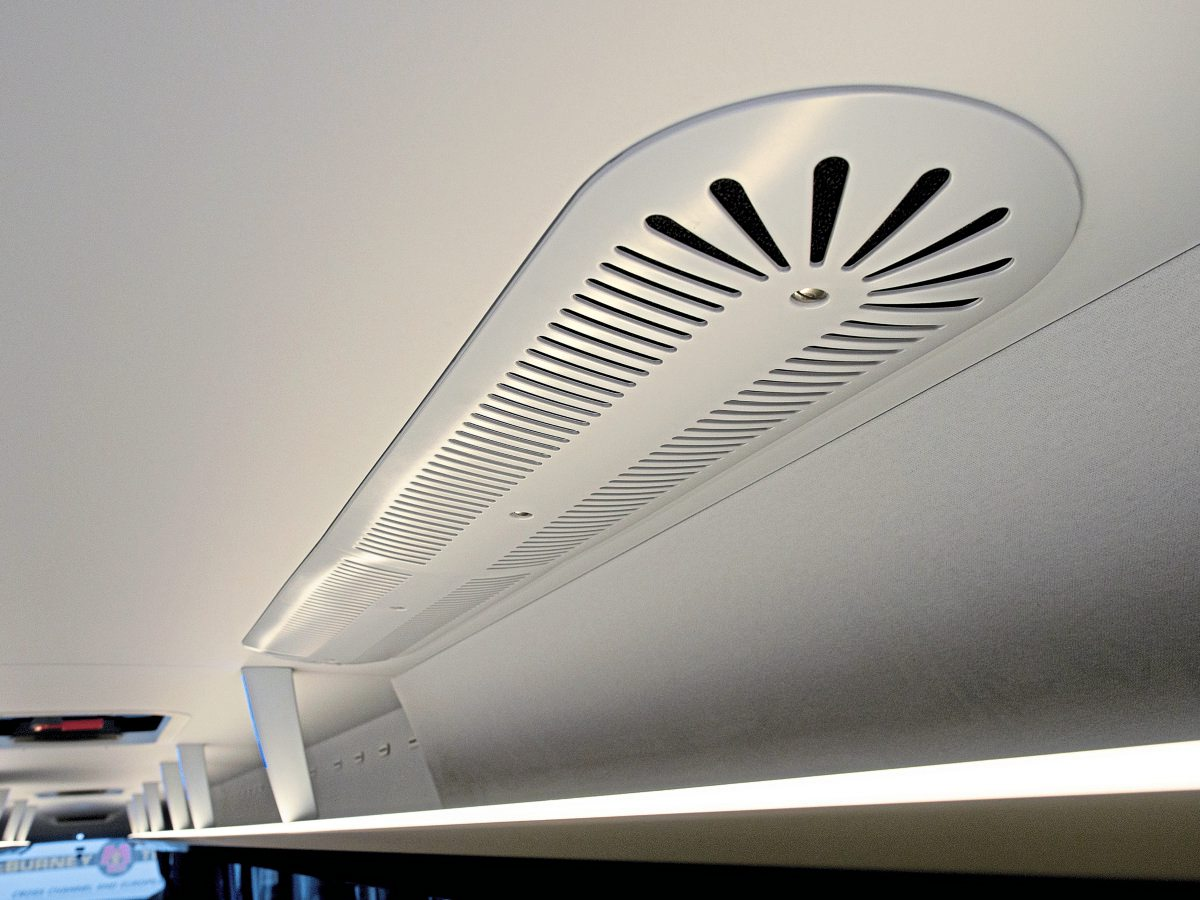 Air conditioning louvres