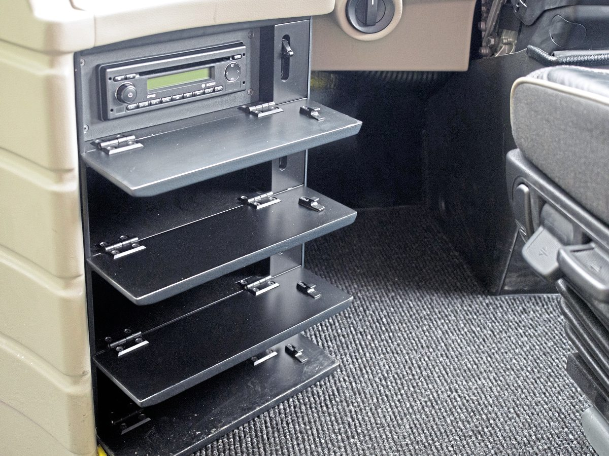 Neat four-compartment storage