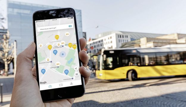 Daimler/BMW team-up for sustainable urban mobility services