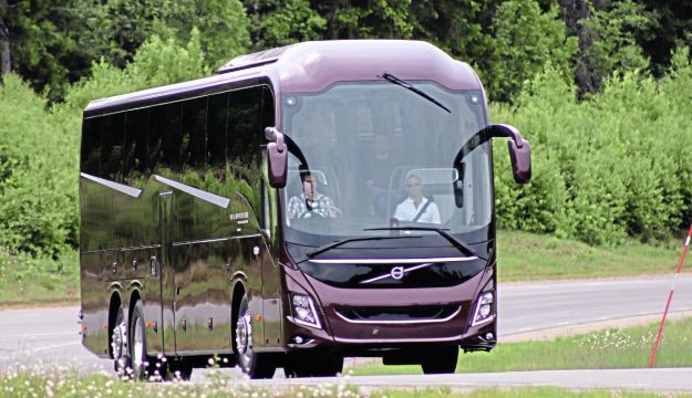 Volvo goes integral with new coach