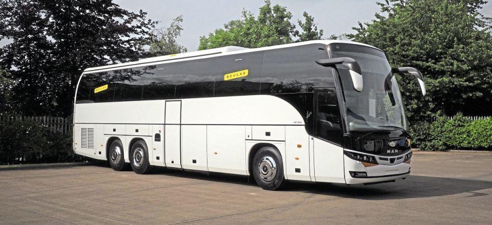 Beulas Aura MAN RR4 59-seat tri-axle