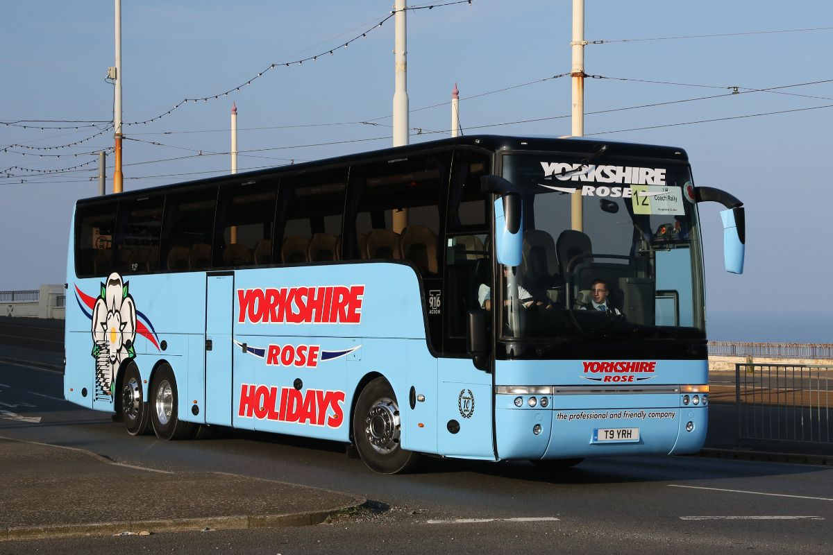 Van Hool T916 Acron - Yorkshire Rose Coaches