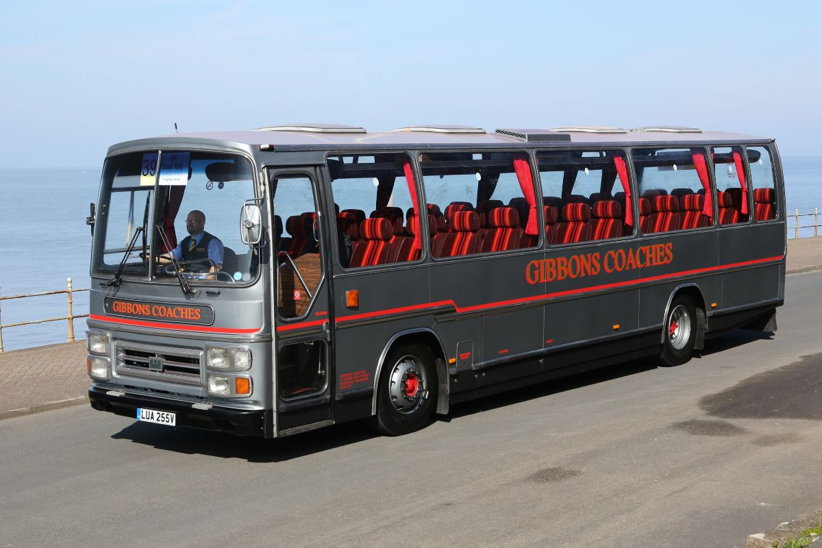 Volvo B58 Plaxton Supreme - Gibbons Coaches
