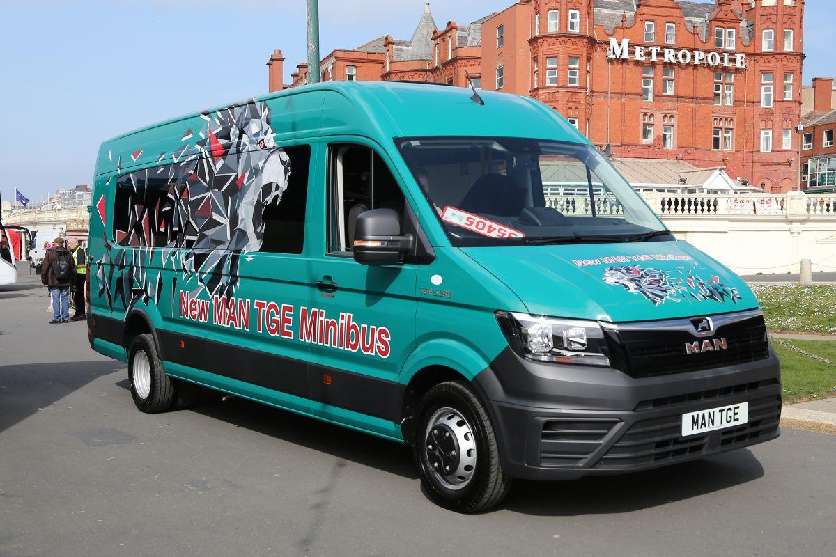 Trade - MAN TGE minibus