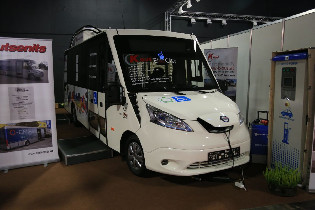 K-Bus Nissan Solar City
