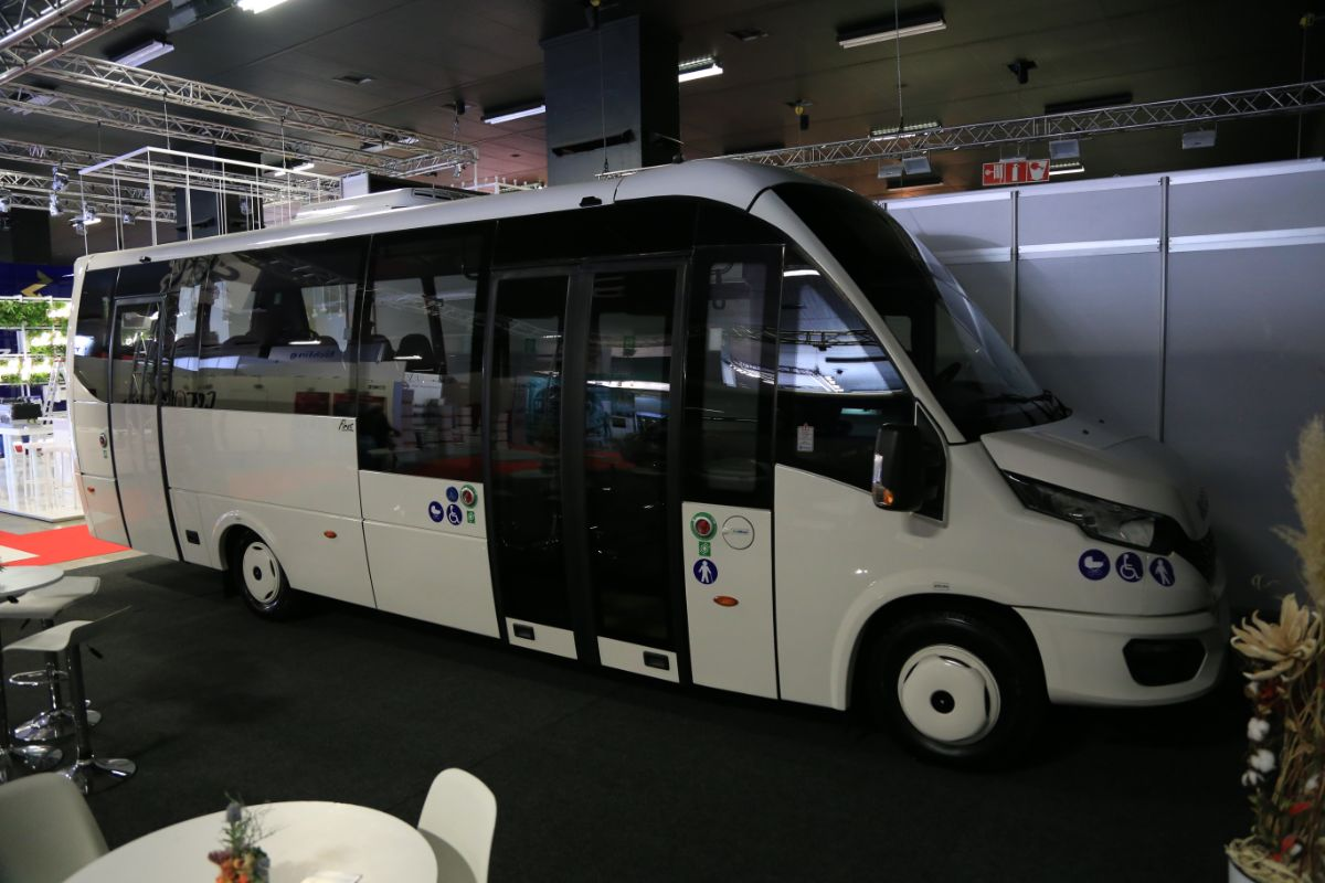 Rosero Iveco First LF