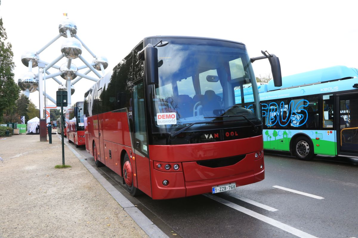 Van Hool EX11 (outside)