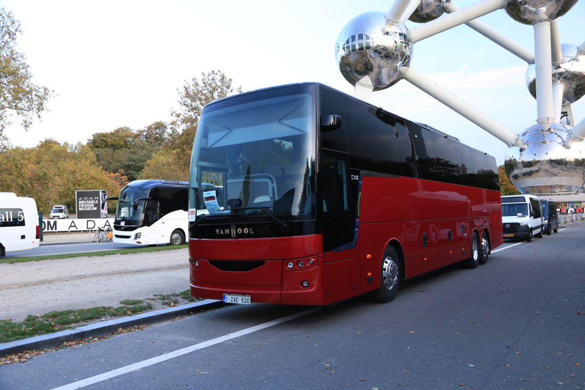 Van Hool EX16H (outside