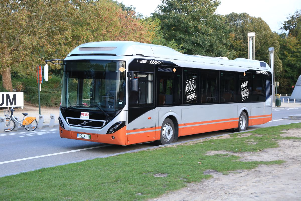 Volvo 7900 hybrid (outside)