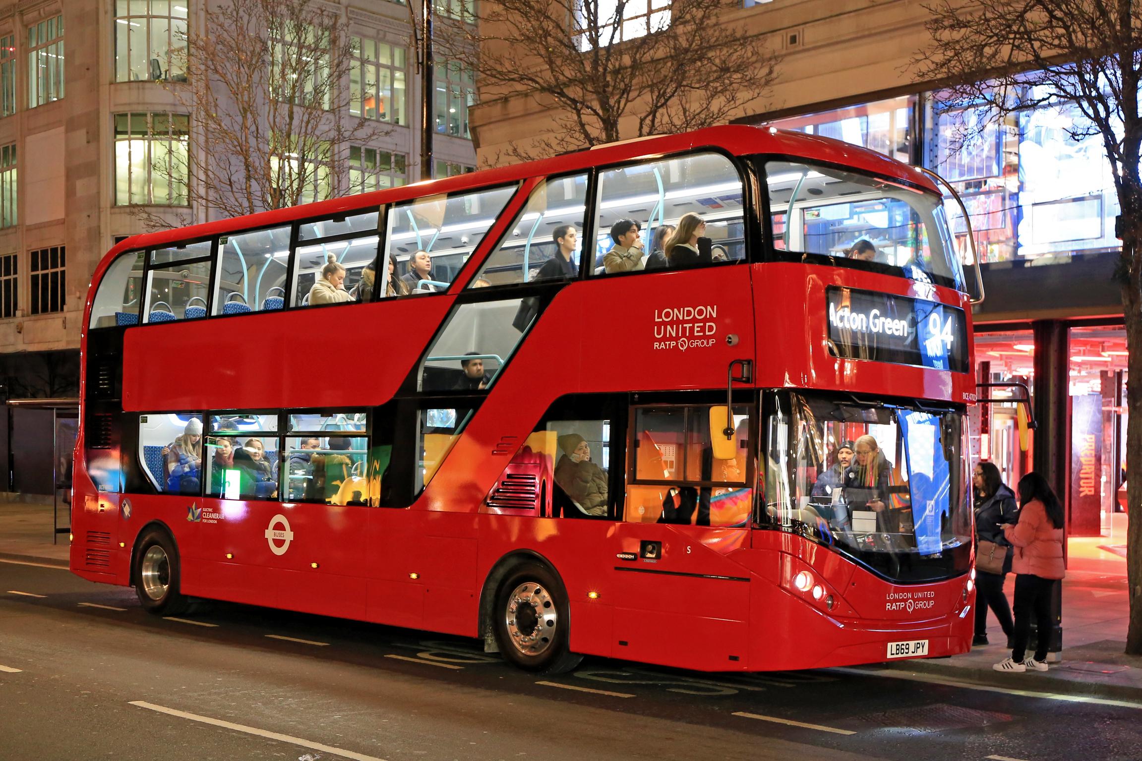 London drivers need vaccine priority, says Unite