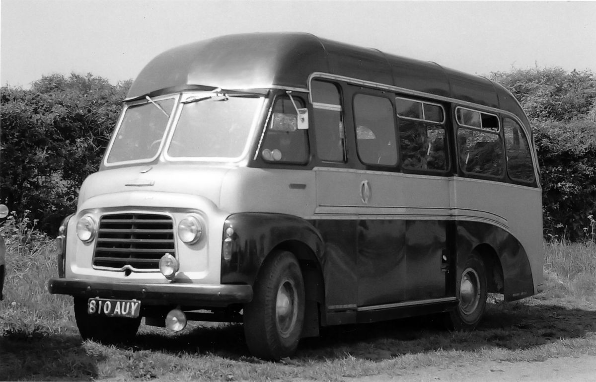 1960 saw the arrival of the first coach ever bought new by Dudley's, a 14-seat Karrier with coachwork by Reading