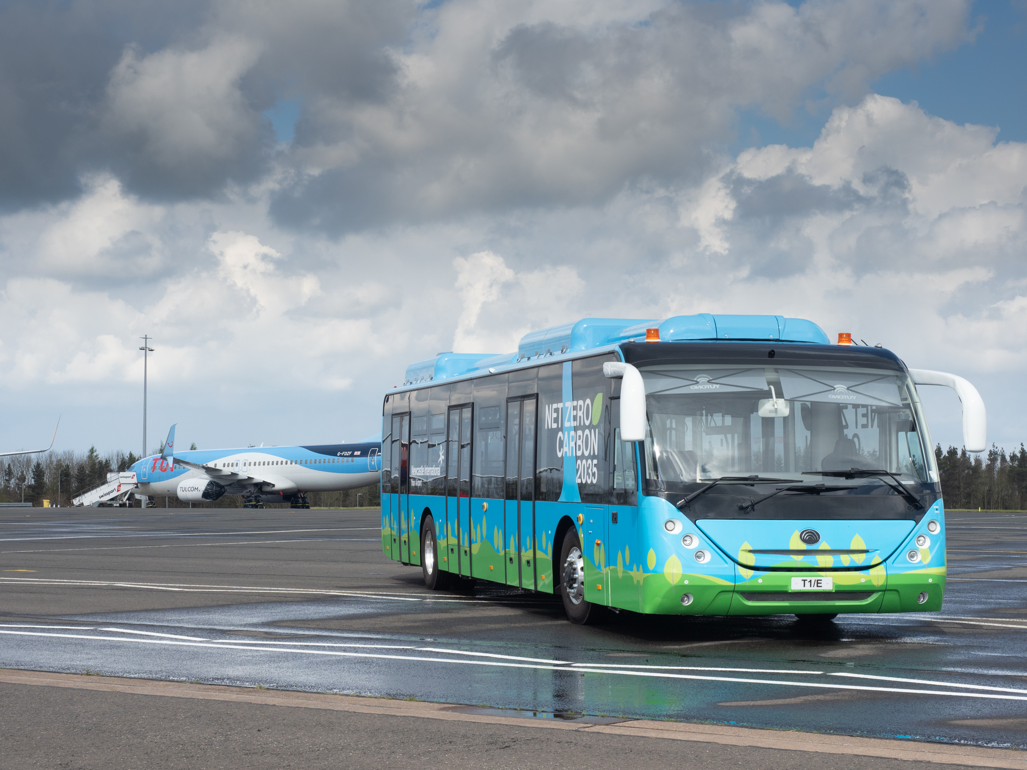Pelican sells the UK's first electric airside bus