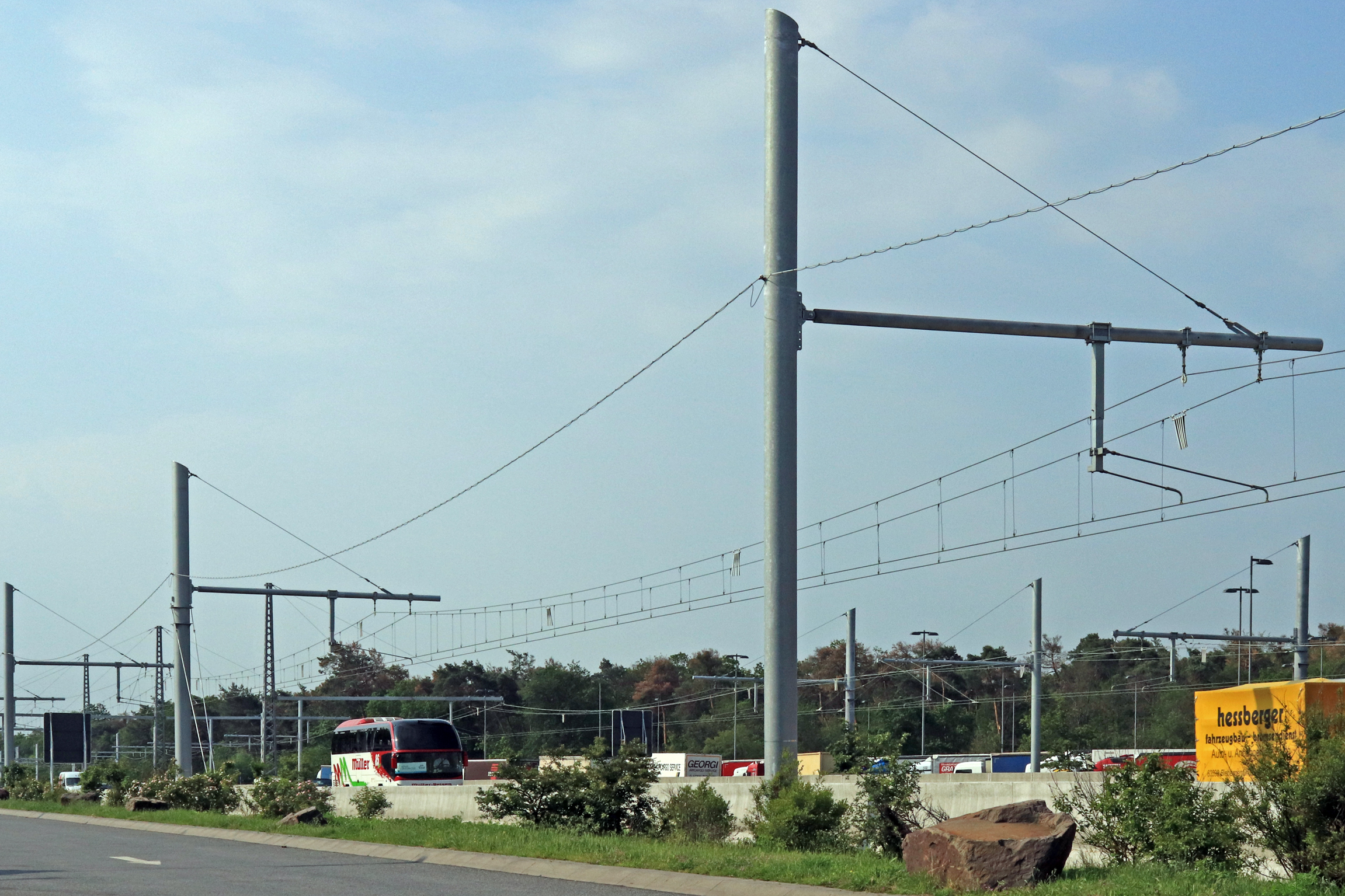 Electric road to be trialled