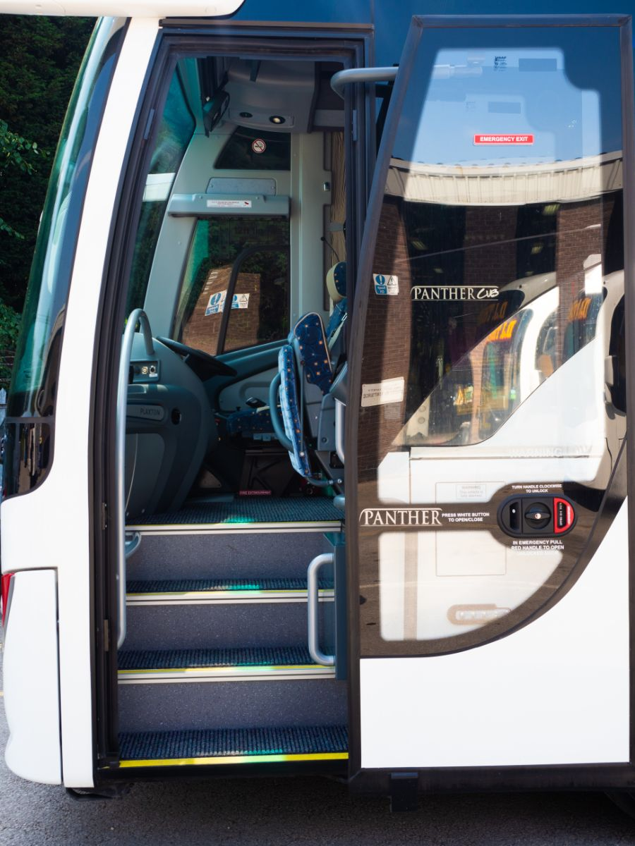 Passenger door is wide but the courier seat intrudes