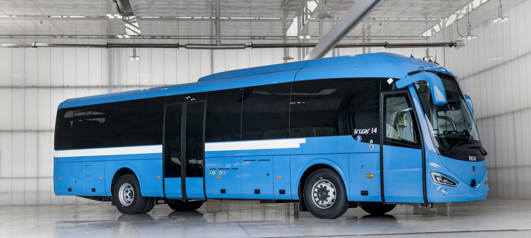 Irizar manufactures first LNG long-distance coach